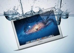 Co robić kiedy Macbook Pro zostanie zalany.